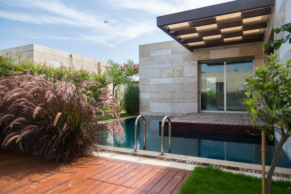 Bodrum Turgutreis Satılık Müstakil Villa-Özel Tasarım-Müstakil Bahçe Havuz