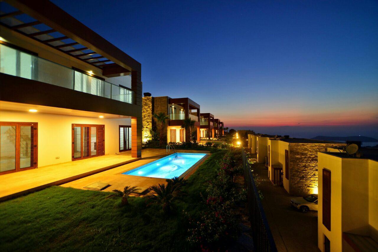 Bodrum Gümüşlük'te Satılık Muhteşem Manzaralı Özel Villa