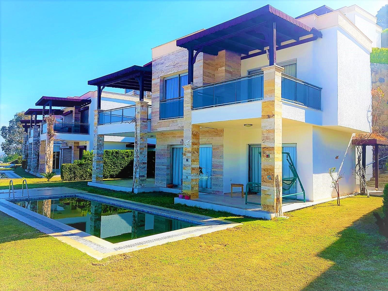 Bodrum Gümüşlük Satılık Müstakil Villa-Özel Havuzlu-Deniz Manzarası