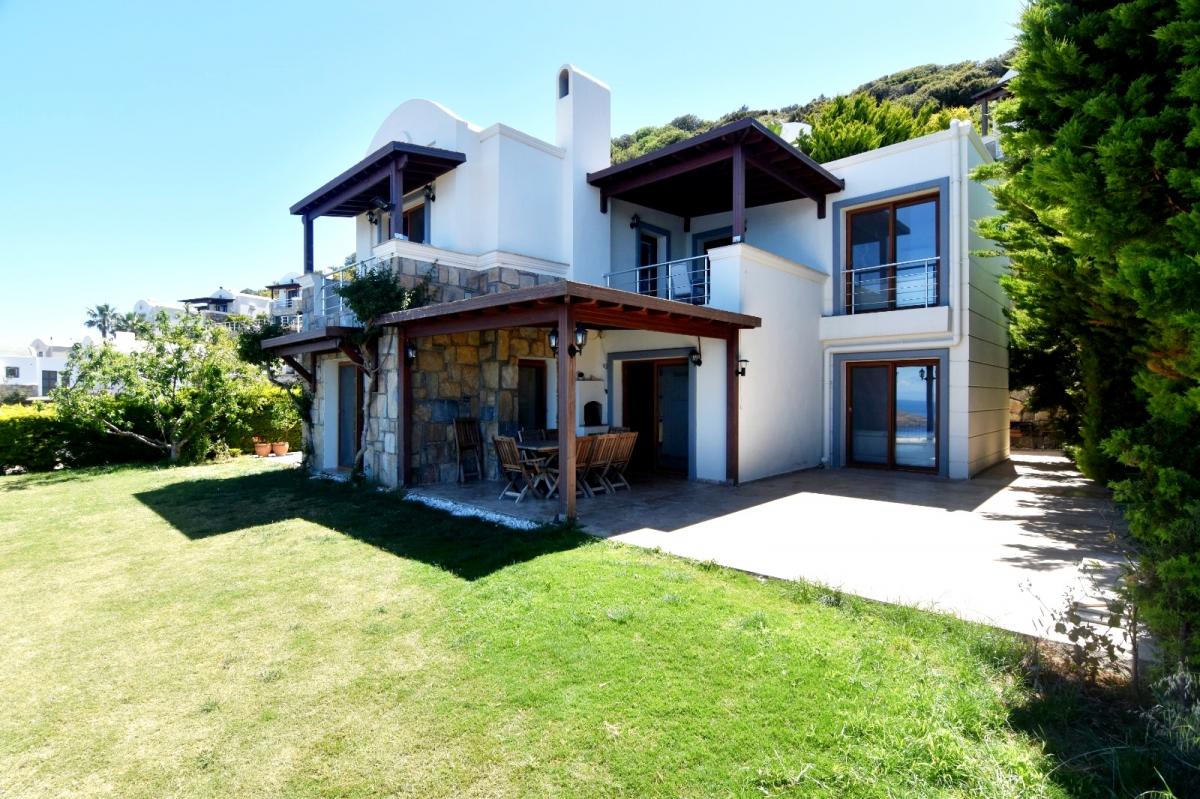 Bodrum Yalıkavak'ta Satılık Deniz Manzaralı Villa